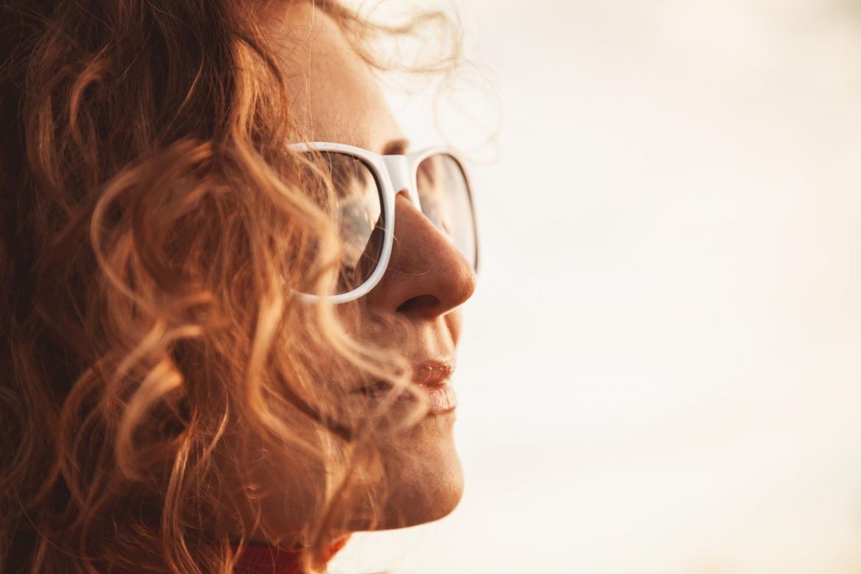 white-sunglasses-PA5VEZP.jpg